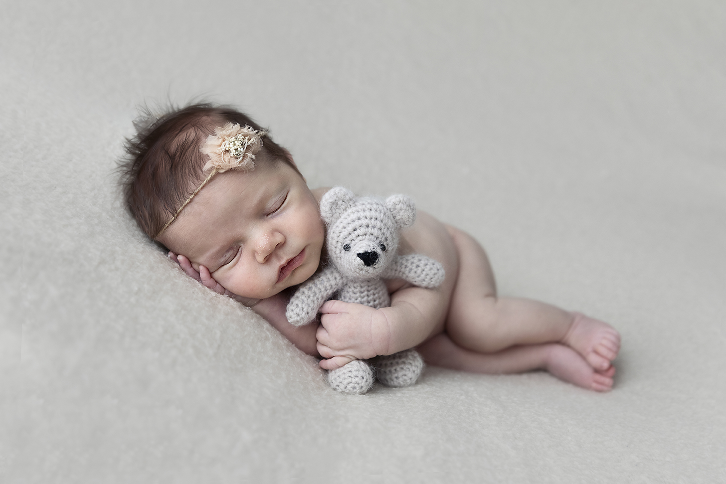 Newborn photographers darwin little cherub ivie